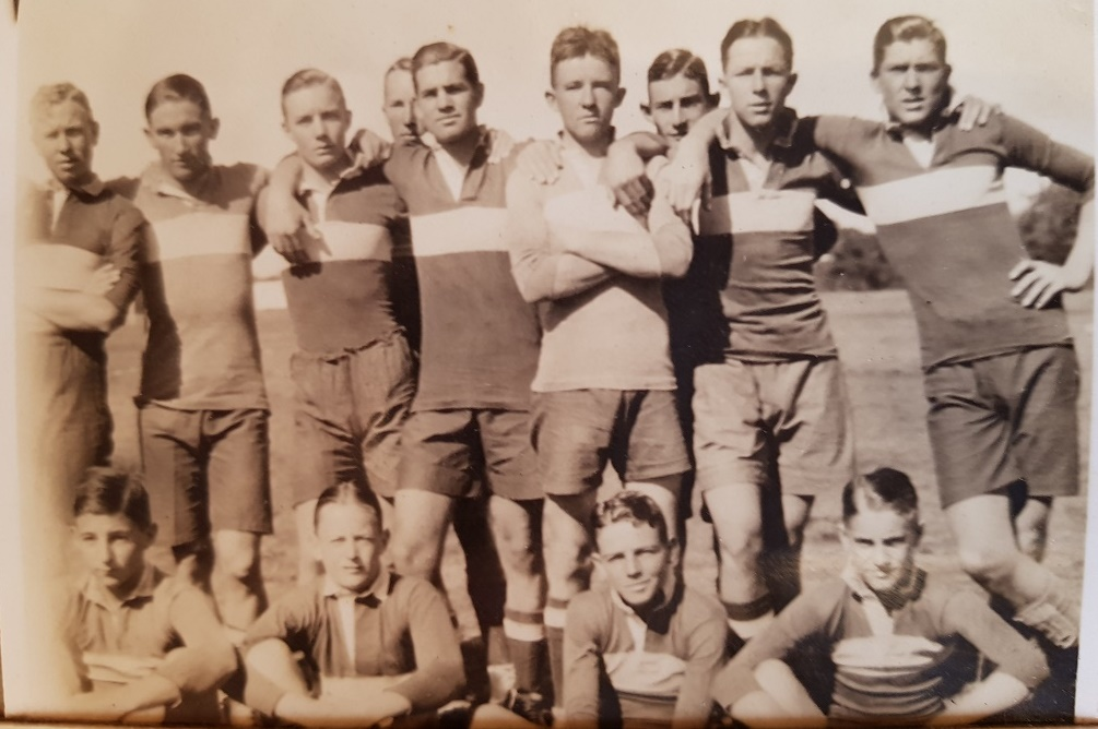 1929_rugby_group_random