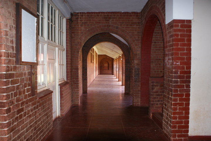 maths_french_classes_corridors