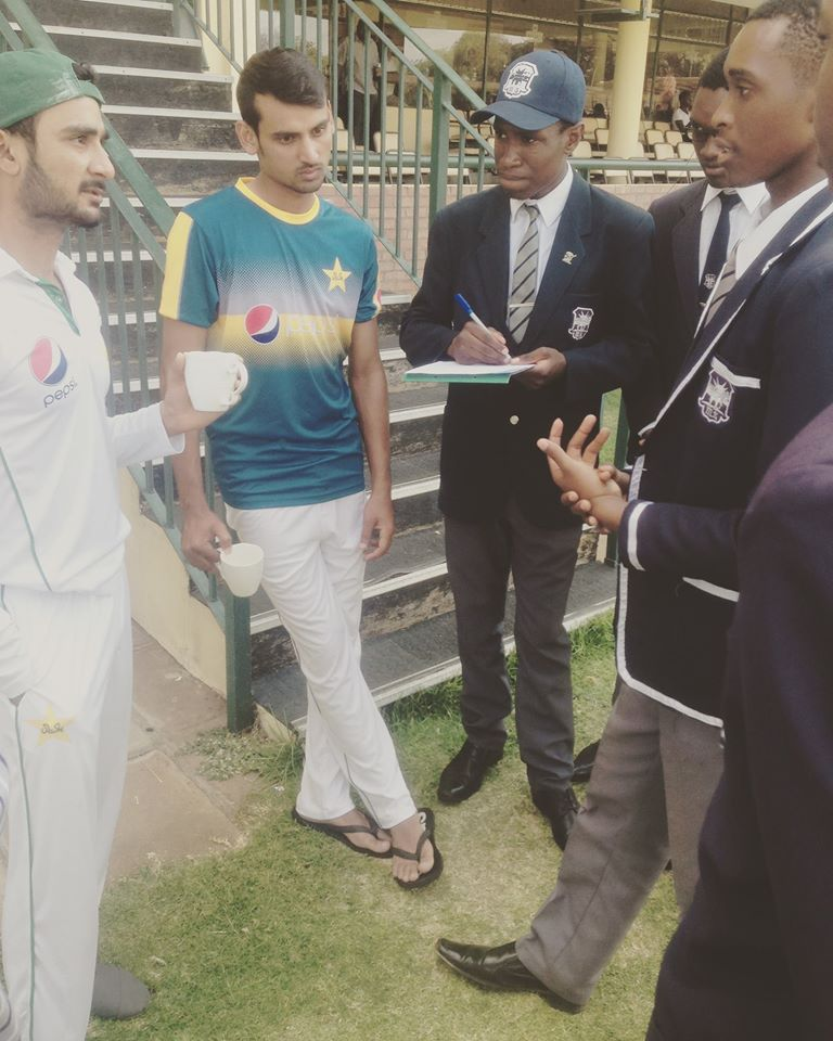 2015_donation_pakistan_team_cricket_kit_to_milton