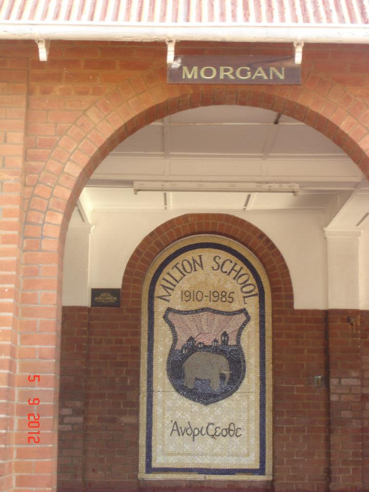 2015_morgan_sign