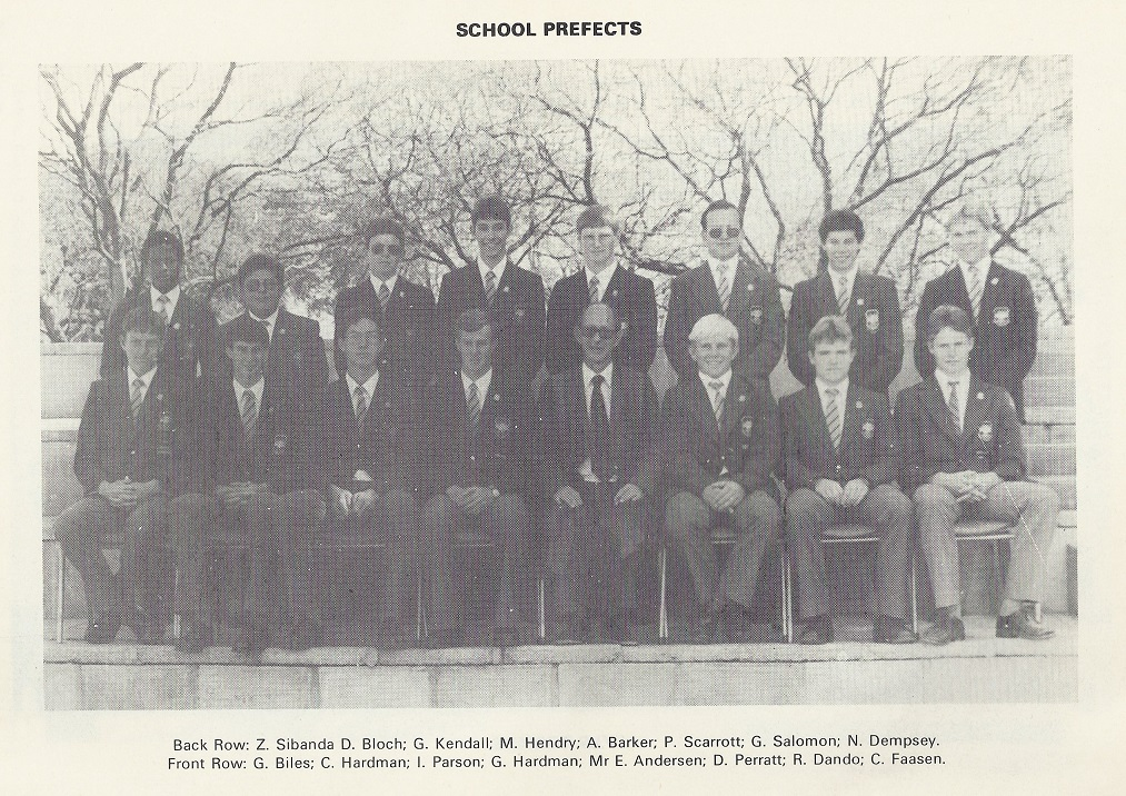 file:///C:/Users/AdrianMM/Documents/My Web Sites/oldmiltonians/t1982_prefects